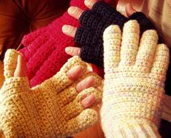 EASY CROCHETED FINGERLESS MITTENS | Fabric Follies Two
