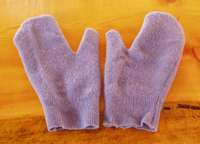 recycle wool sweaters into mittens